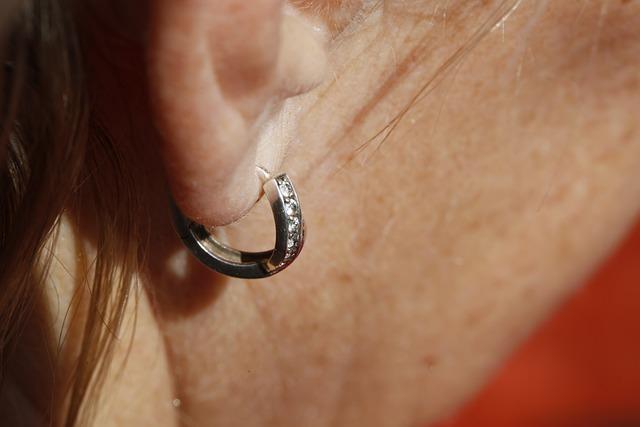 ile kosztuje przekłucie uszu